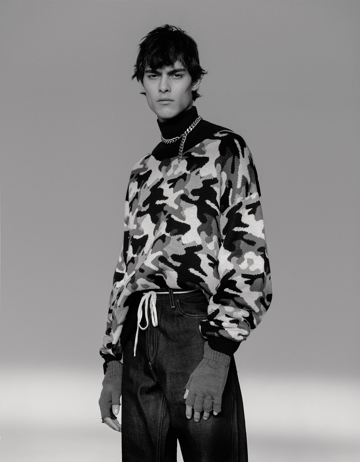 Knitwear Goash Rubchinskiy, jeans Cahartt Wip.