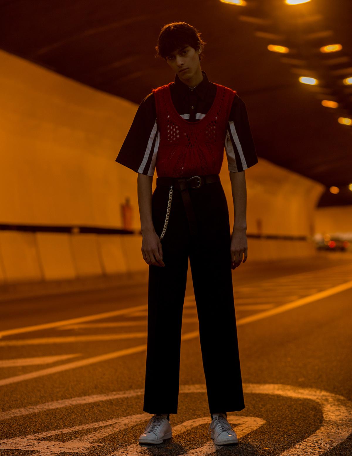 Shirt Wrangler, yop Japper, trousers Sandro, sneakers Adidas x Raf Simons.