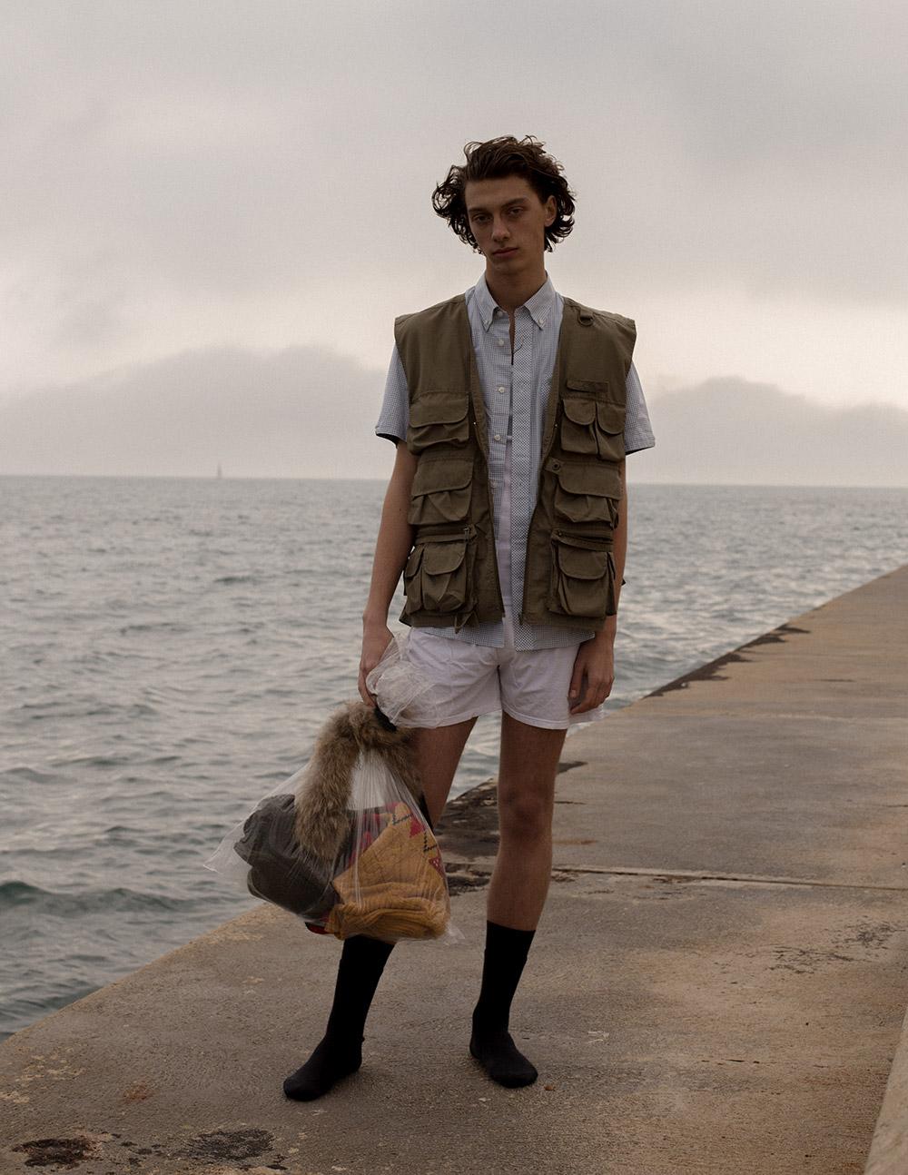 Shirt Fred Perry, vest, socks & underwear stylist own.